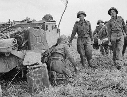 A casualty is brought back to a Universal Carrier being used to evacuate wounded, 1944.  Image by Christie (Sgt), No 5 Army Film & Photographic Unit [Public domain]