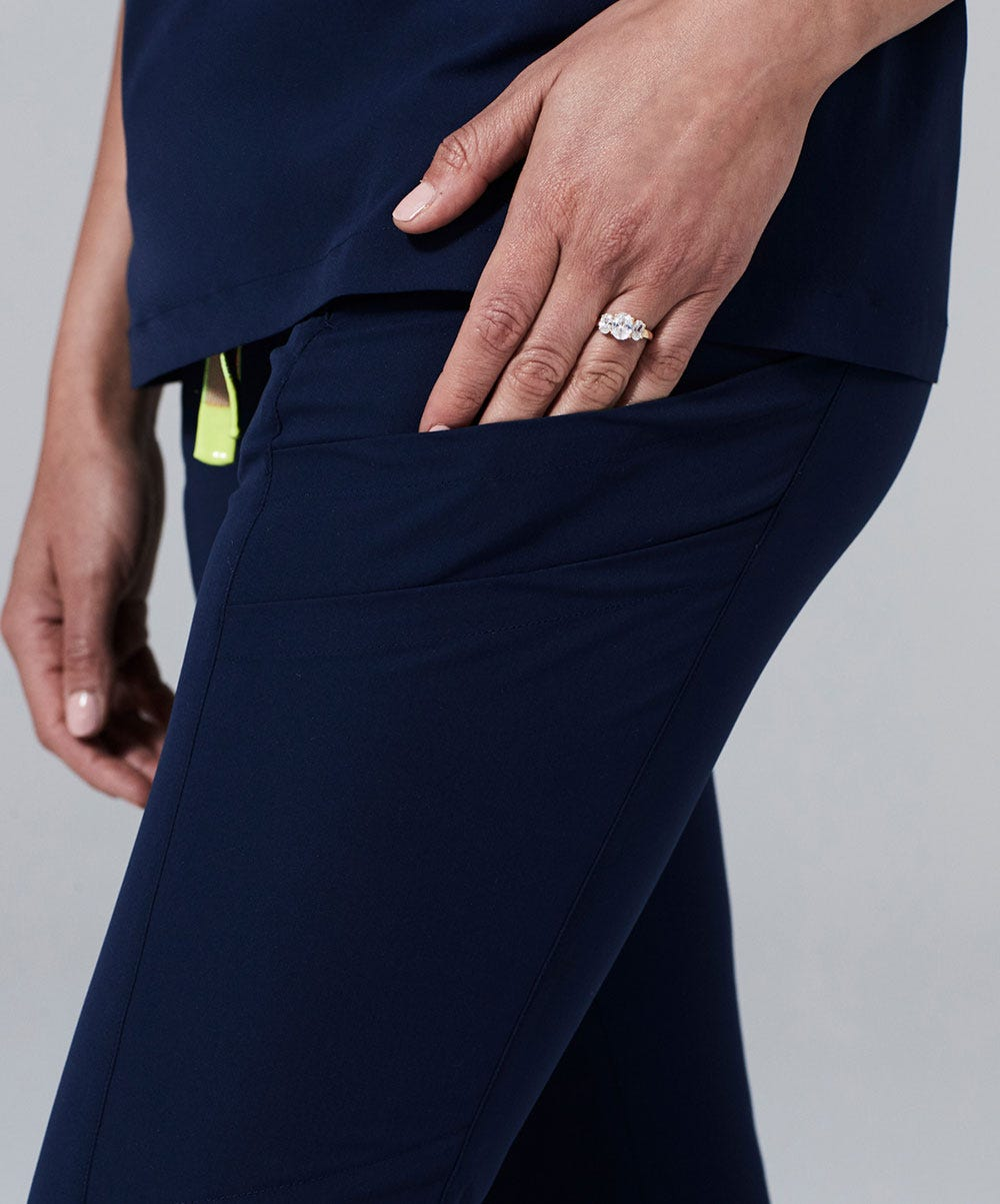 delta scrub pants women