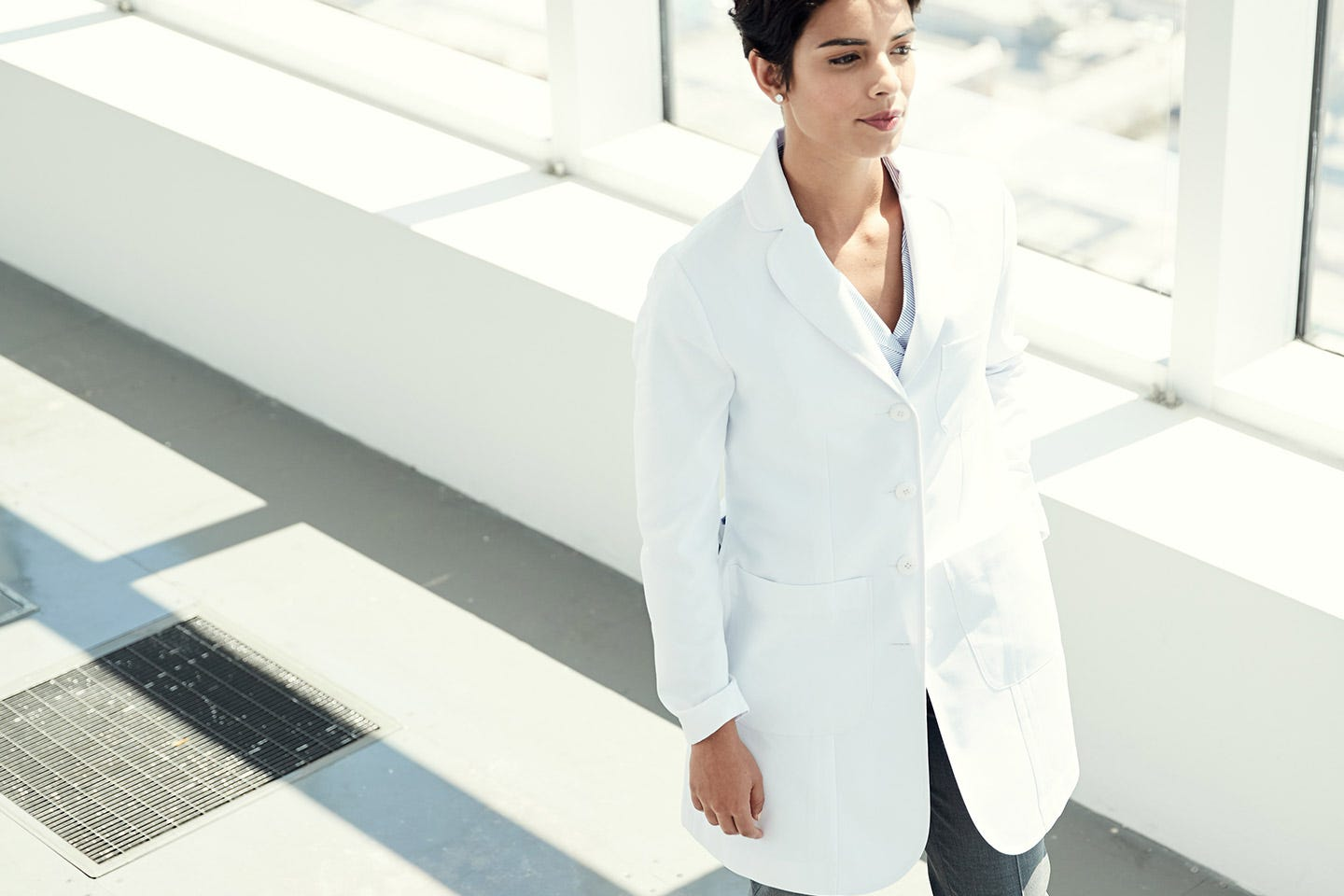 Ellody women's lab coat back